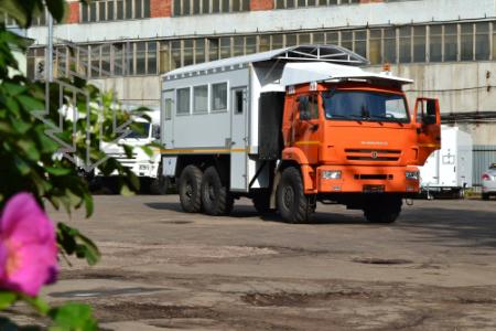 Автобус вахтовый для доставки рабочей бригады алмазодобывающего карьера компании АЛРОСА