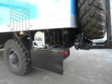 Ящик под кузовом для размещения катушки с кабелем и электроввода - под кузовом с левой стороны